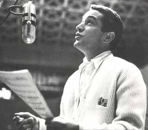 Perry Como ~ early 50s studio portrait